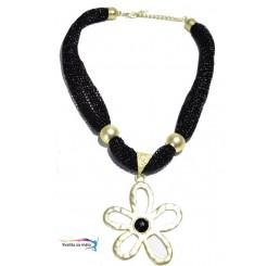 Extravagantný náhrdelník čierny